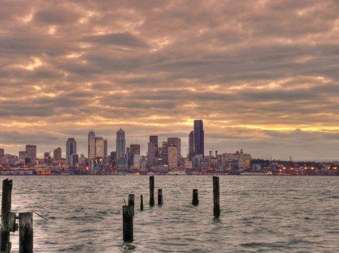 Seattle expects more clouds with sun breaks this weekend