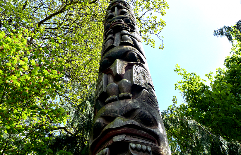 Replica of a Tsimshian pole in front of the Burke Museum. Carved by Bill Holm, Curator Emeritus of Northwest Coast Indian Art at the museum, after the originals were destroyed in a fire.