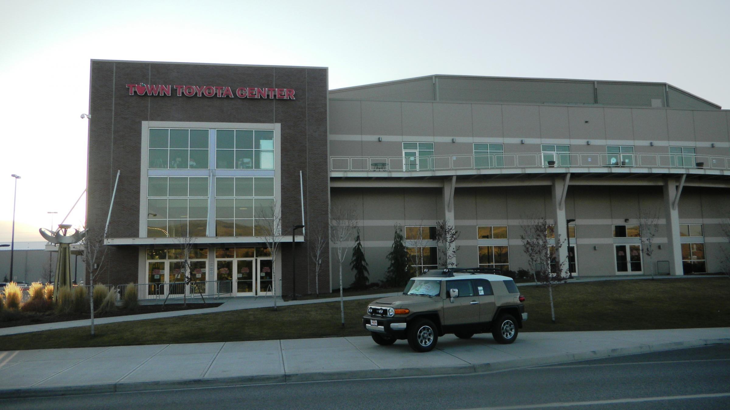 The Greater Wenatchee Public Facilities District Operates Town Toyota Center  Near The Banks Of The Columbia ...