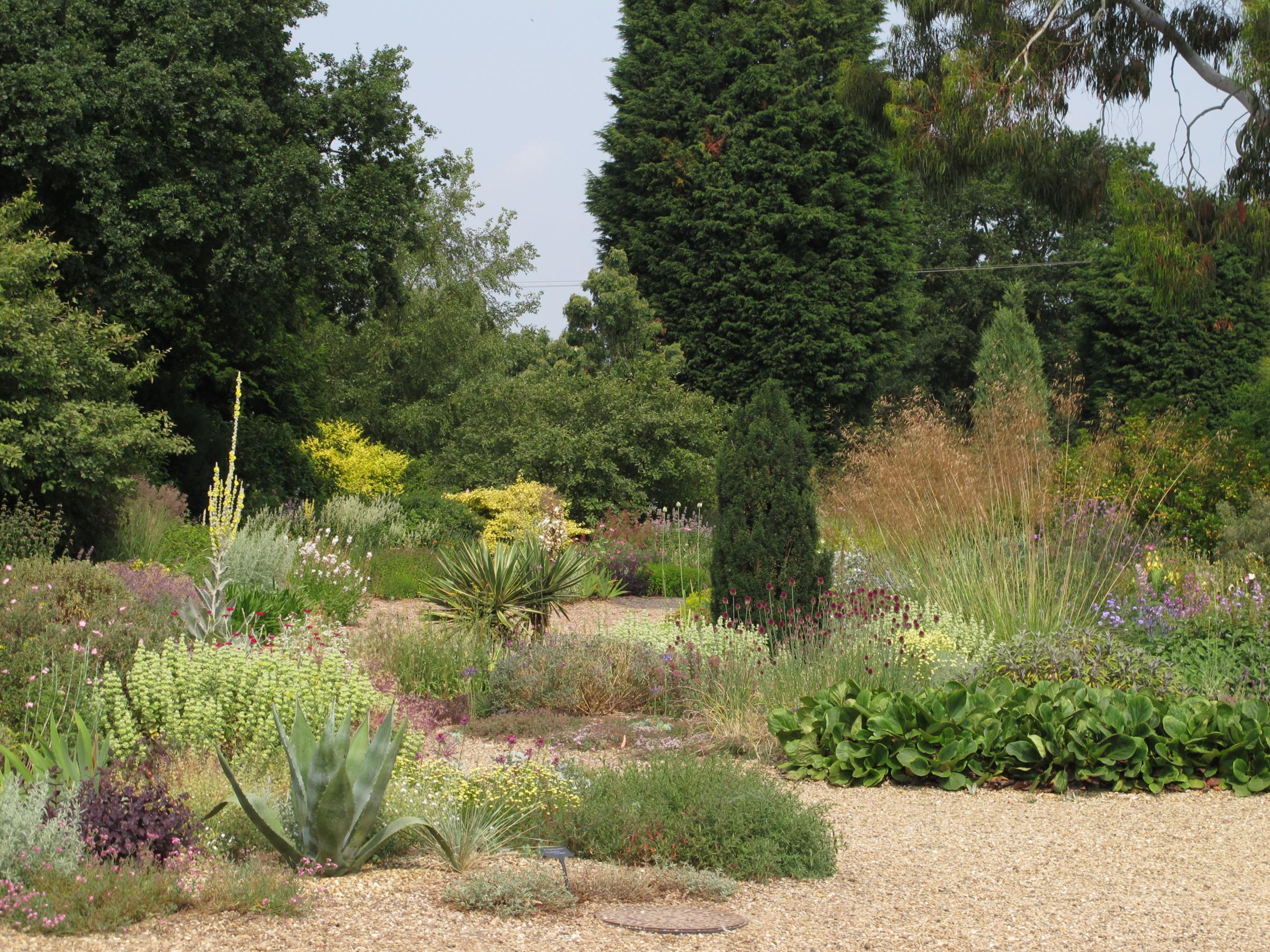 Lesson learned from 39 bucket list of gardens in england for Landscaping without plants