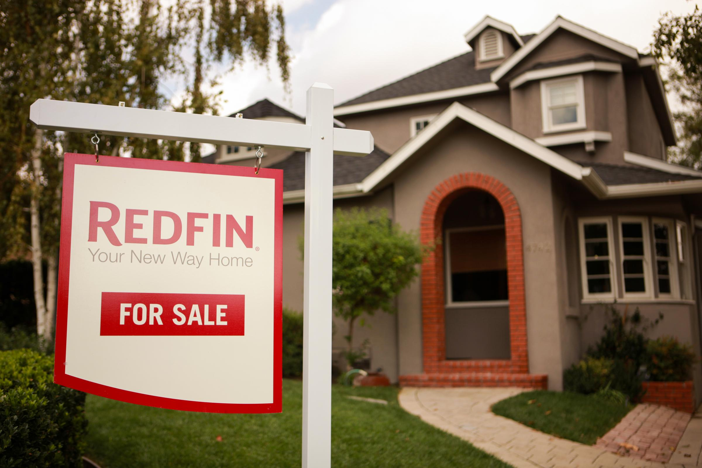 Redfin lowers commission for home sellers - Houston Chronicle |Redfin Real Estate