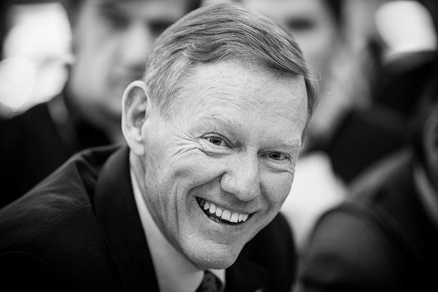 Former boeing executive alan mulally s advice on labor for Ford motor company alan mulally