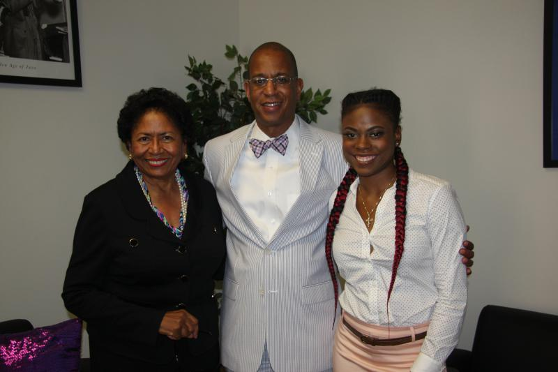 Dr. Ruth Simmons, Interim President of  PVAMU visits with KPVU's Jay McLaughlin and student Krystal Carr
