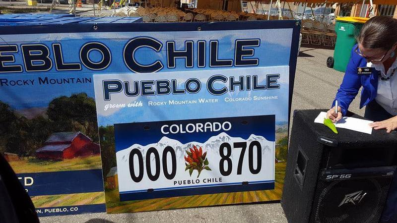 The new license plate would feature the Pueblo Chile.