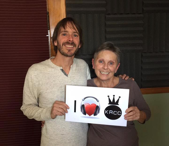 Glen Phillips of Toad the Wet Sprocket at 91.5 KRCC with Vicky Gregor