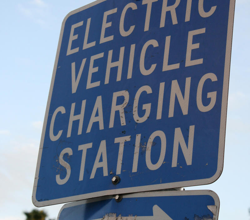 The governors of Colorado, Utah, and Nevada are looking to create an electric vehicle charging network.