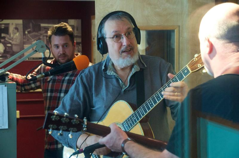 David Bromberg (center) in studio at 91.5 KRCC