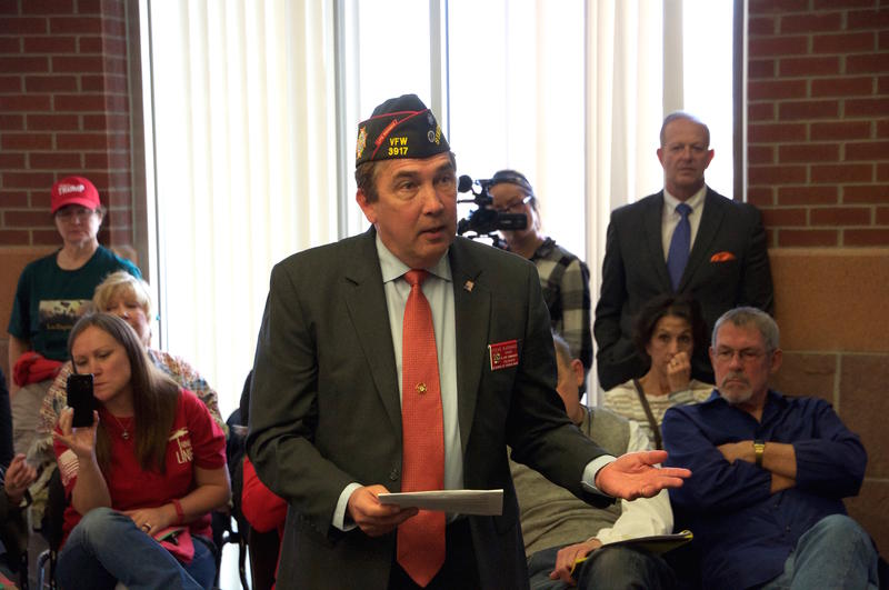 A Veterans of Foreign Wars representative asks Rep. Lamborn about veterans healthcare.