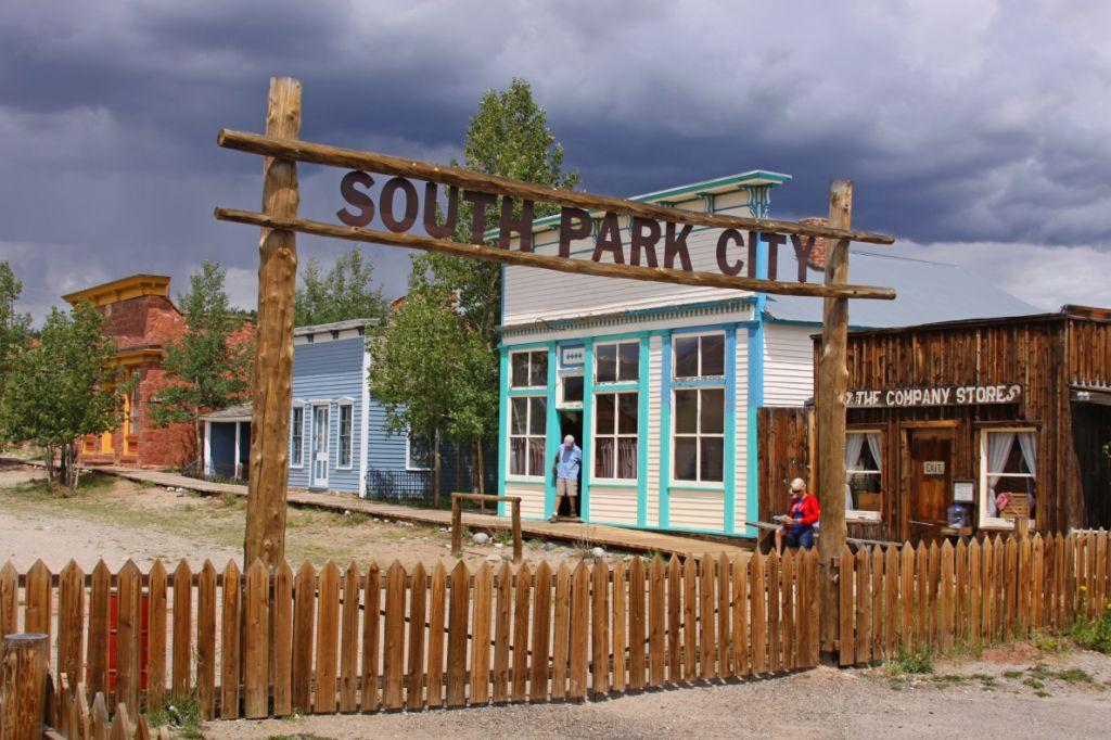 South park city the old west town that never was krcc for Park towne