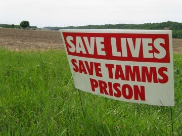 Signs dot lawns throughout southern Illinois, urging Governor Pat Quinn to keep the Tamms Correctional Center Open.