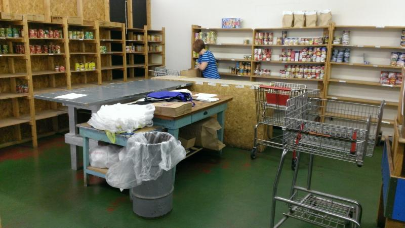 Fish food pantry struggling to provide krcu for Fish food pantry