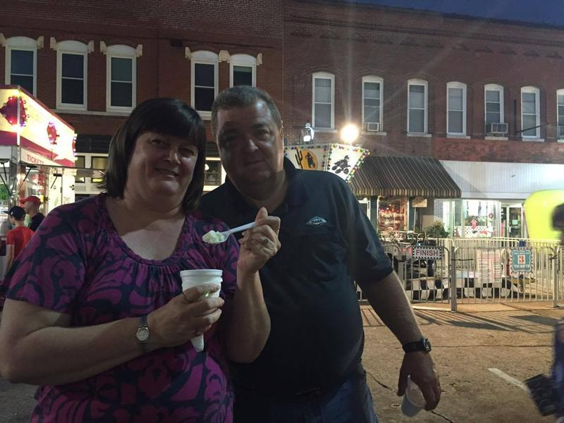 Randy and Leanne Brugger eat Demolay ice cream at Jackson Homecomers.