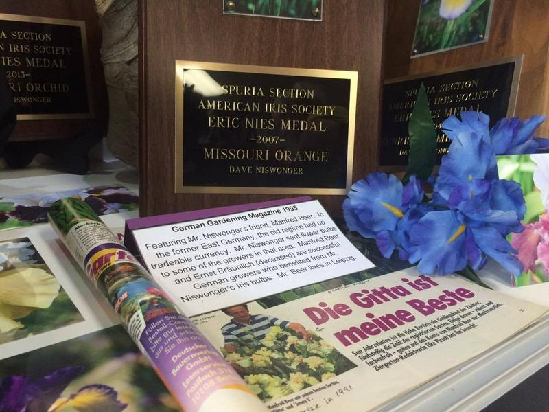 A German article written about Niswonger and his irises.