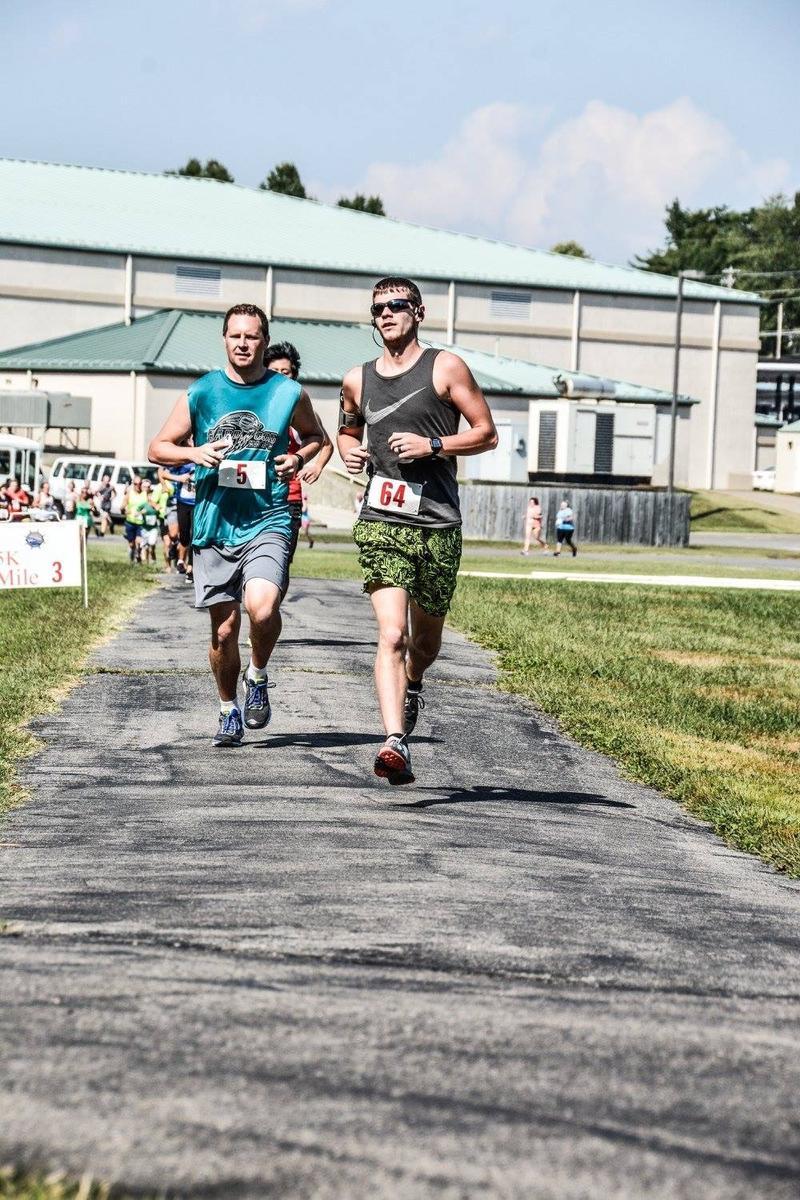 Shad Burner running (he's on the left)
