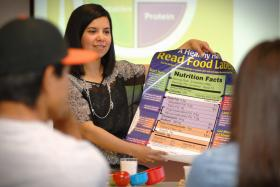 Registered dietitian Gaby Phillips explains how to read food nutrition labels. New Mexico State University is partnering with Molina Healthcare to provide the National Diabetes Prevention Program in Dona Ana and Bernalillo counties. (NMSU photo by Darren Phillips)