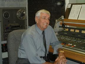 Former Governor Garrey Carruthers discusses his views in the KRWG studio.