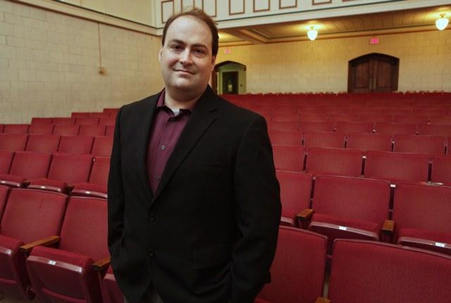 Andy Carvin addressed students Thursday inside Drury's Clara Thompson Hall Auditorium/Credit Jess Heugel Media