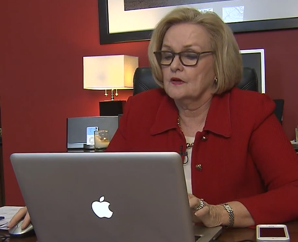 Claire McCaskill (D-Missouri) signs up for health insurance/Credit: YouTube