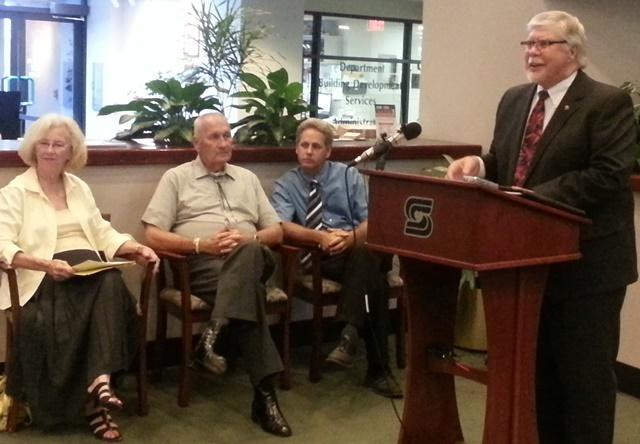 Mayor Stephens (Right), addresses  reporters Tuesday, alongside (From left) Greene County Associate Commissioner District 2