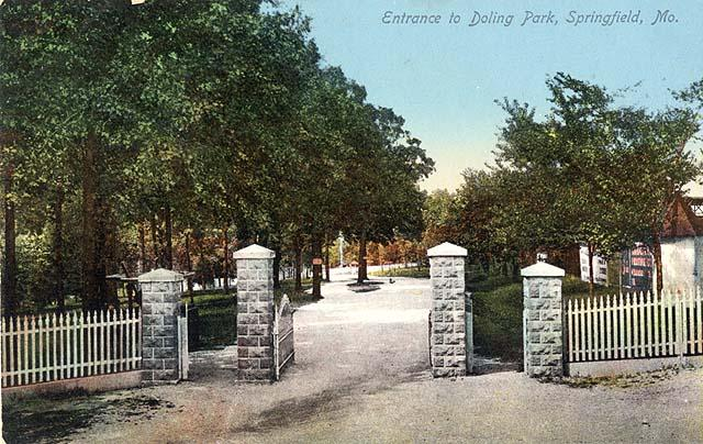 The entrance to Doling Park, 1911. Photo Credit: Springfield-Greene County Library