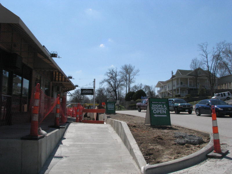 Signs Tell Visitors Downtown Branson is Accessible During Construction