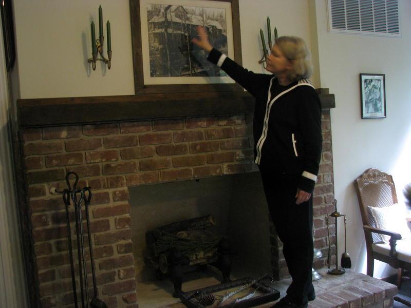 Susan Scott Shows a Picture of the Original Bonniebrook