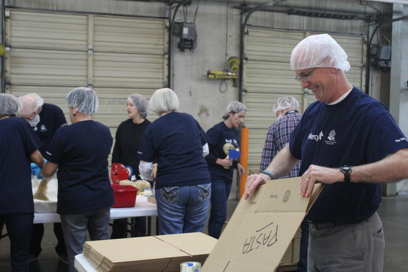 Mercy Employees Volunteer at Convoy of Hope