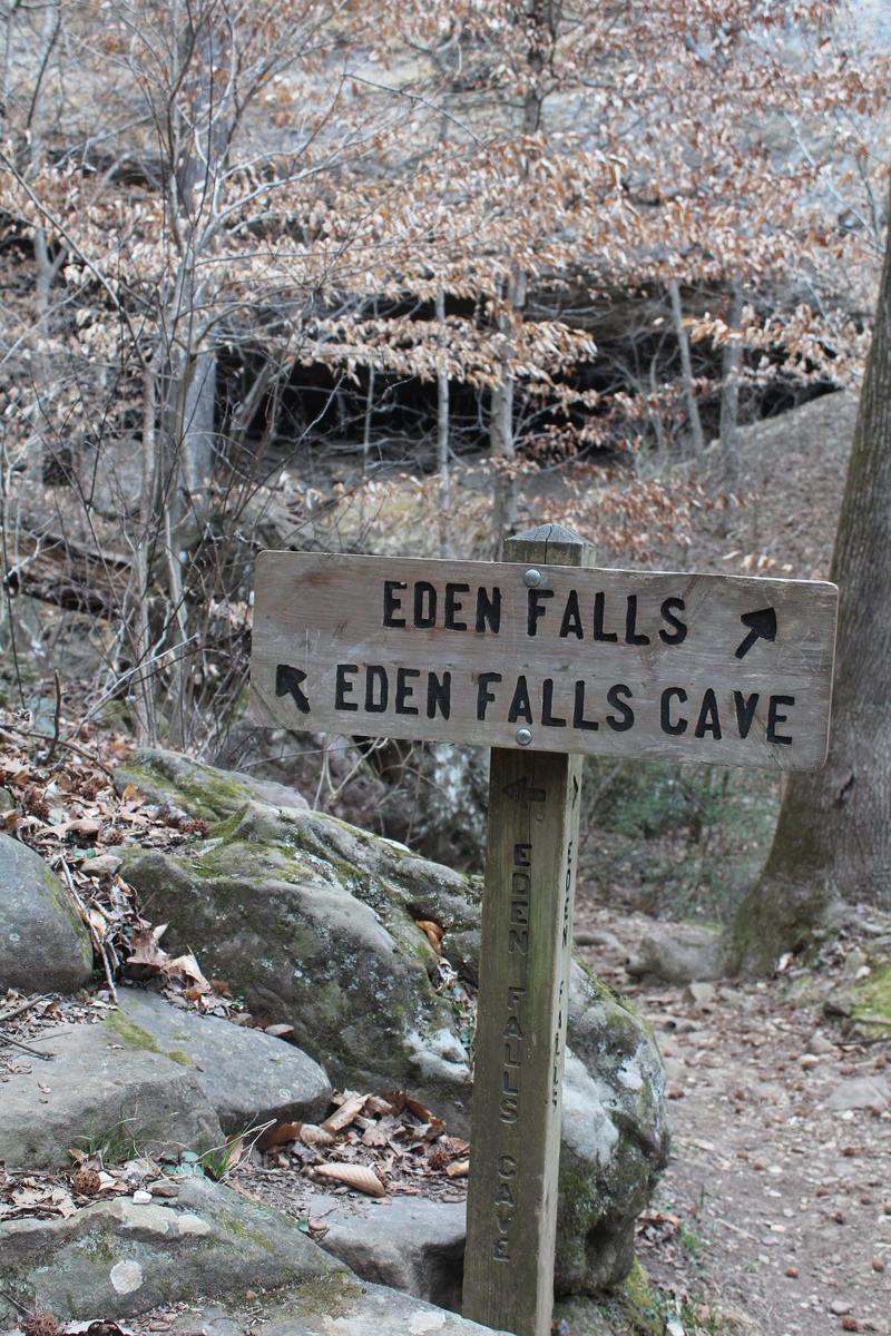 Sign on Lost Valley Trail