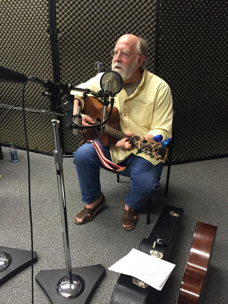 Murray Hutcherson of Wild Bob's Musical Book Club on Studio Live