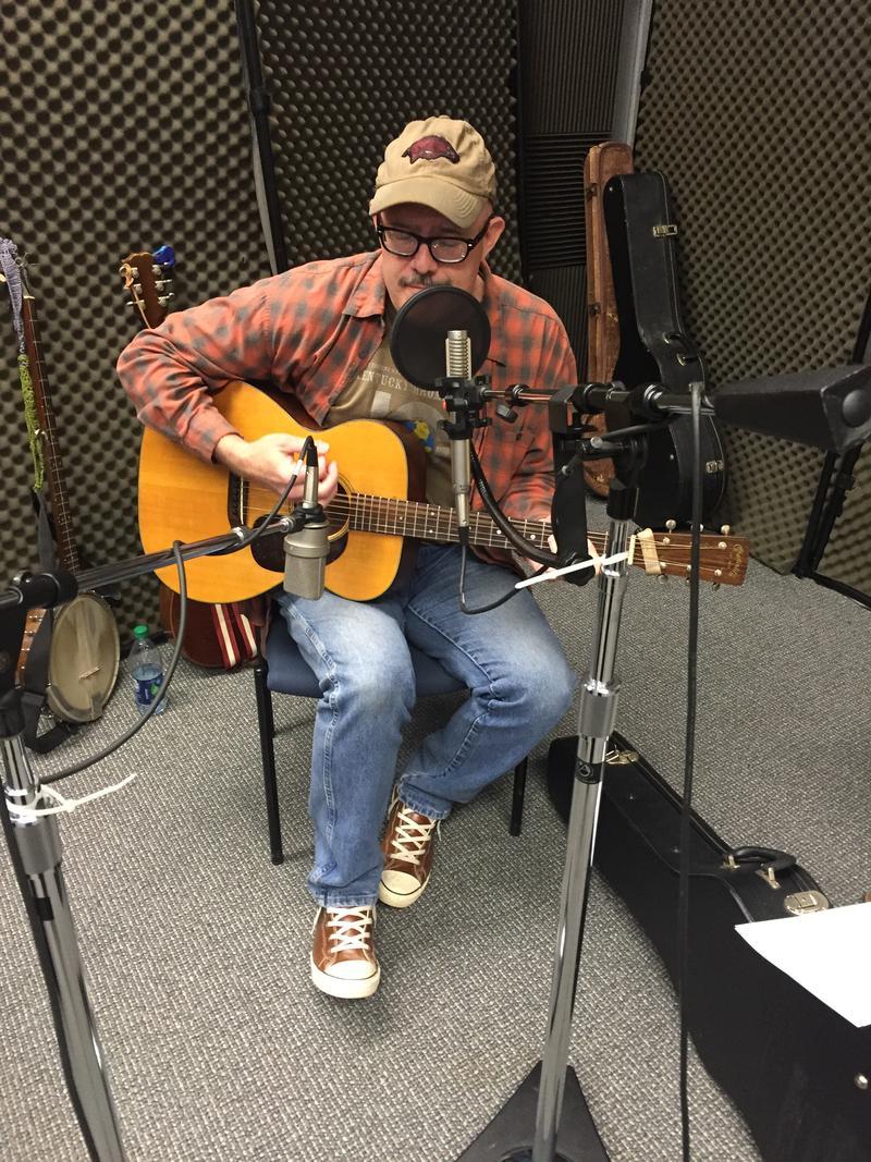 Jody Bilyeu of Wild Bob's Musical Book Club on Studio Live