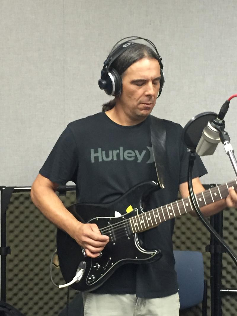 Mike Gomez of Vultures of Chaos County on Studio Live
