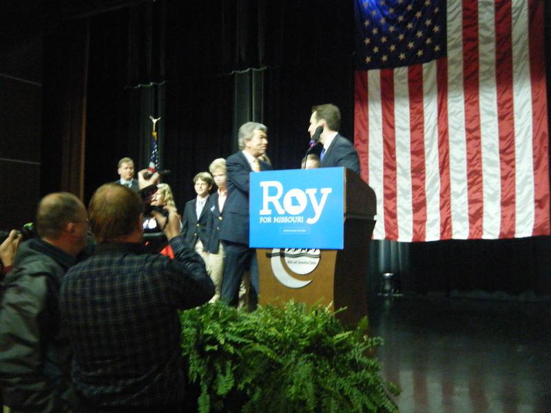 Josh Hawley introducing Roy Blunt
