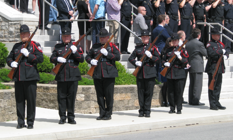 A gun salute took place toward the end of the ceremony.