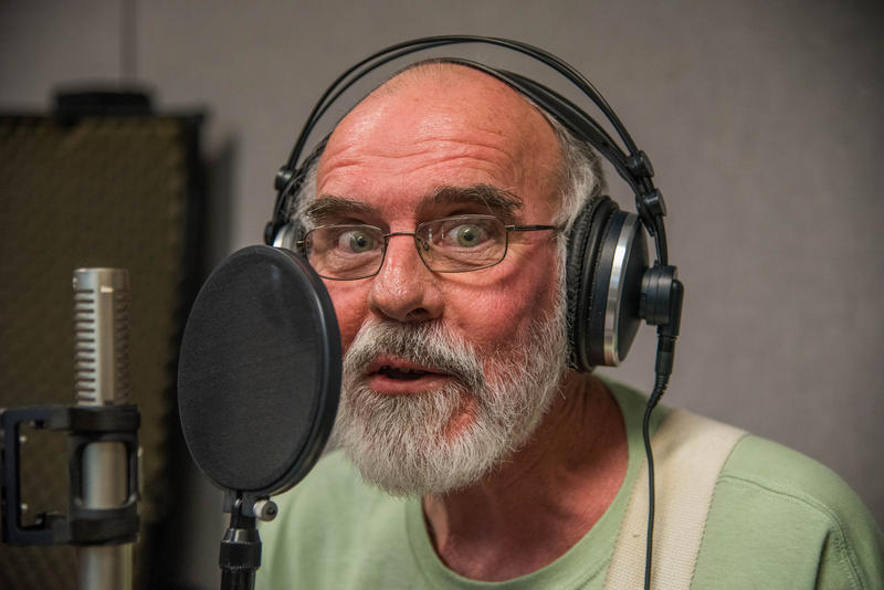 Bob Runyon of Distant Relative on Studio Live