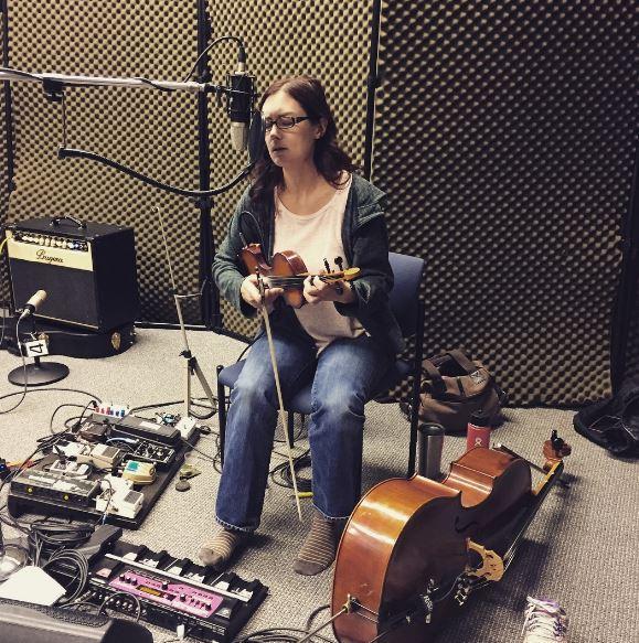 Molly Healey on Studio Live