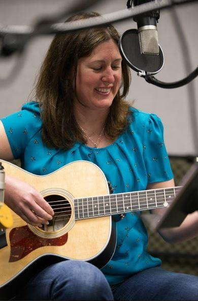 Natalie Wlodarczyk The Shandies on Studio Live