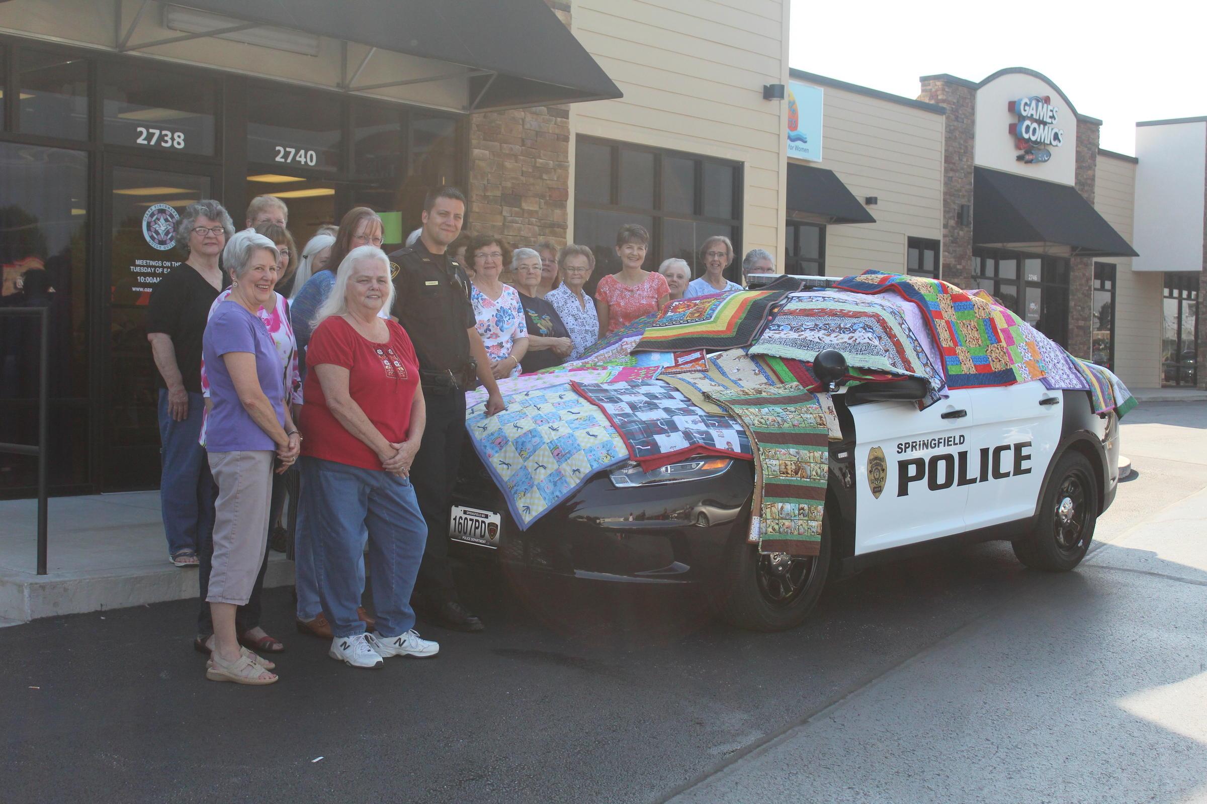 Handmade Quilts Help Comfort Kids | KSMU Radio : ozark piecemakers quilt guild - Adamdwight.com