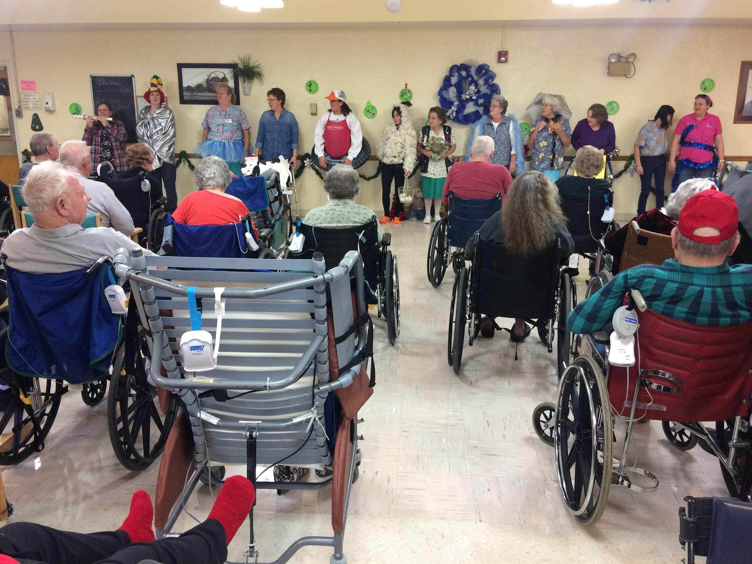 As Memory Fades, Nursing Homes Begin New Traditions | KSMU Radio
