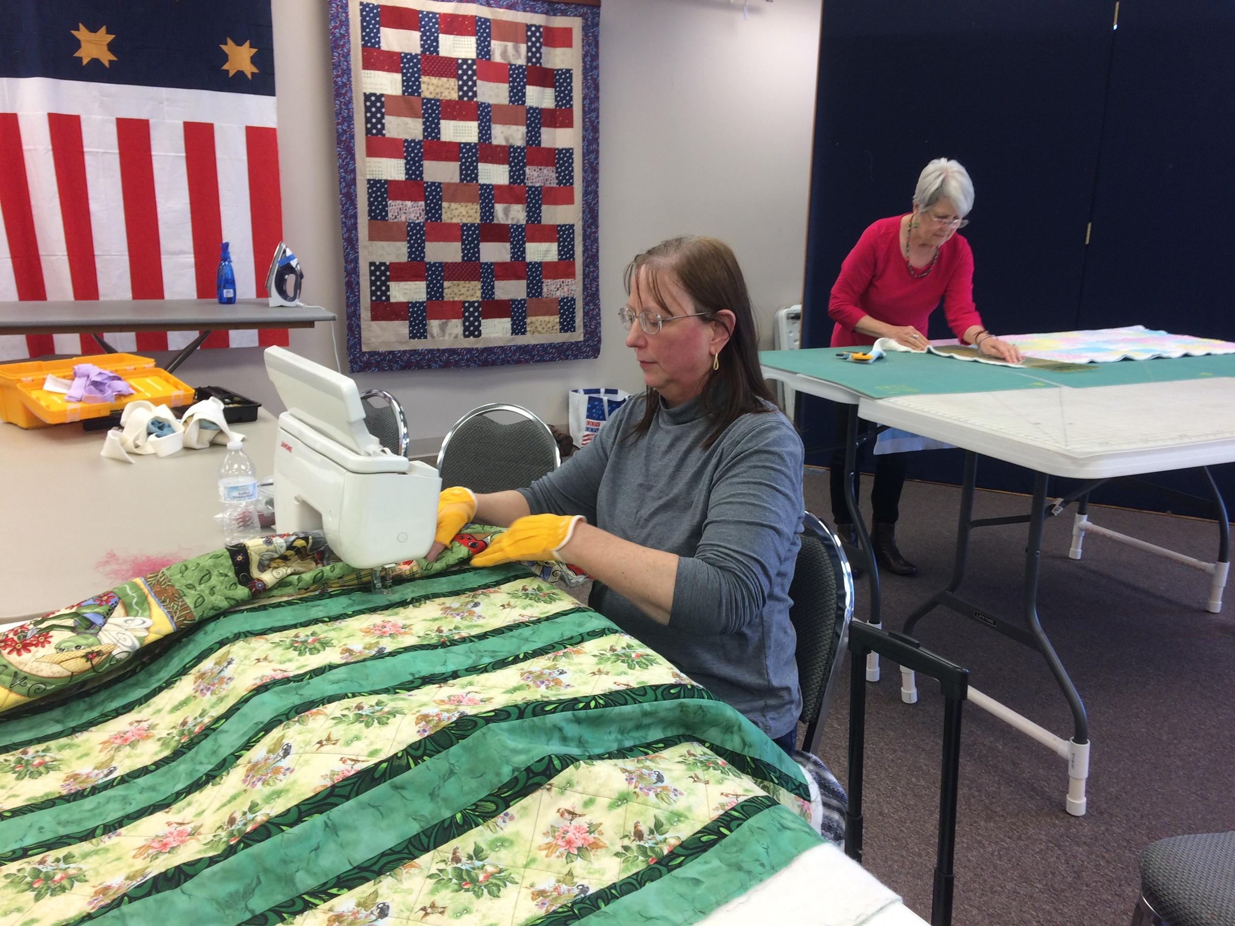Ozarks Quilters Piece Together A Strong Tradition | KSMU Radio : ozark piecemakers quilt guild - Adamdwight.com