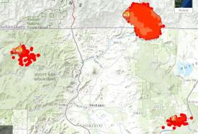 A map of the biggest fires near the state line on Sunday. Yreka is roughly in the middle, Beaver fire to the left, Oregon Gulch upper right, and Little Deer lower right.