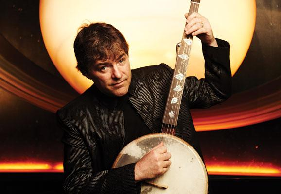 Banjoist Bela Fleck performs his Concerto for Banjo and Orchestra on August 8th