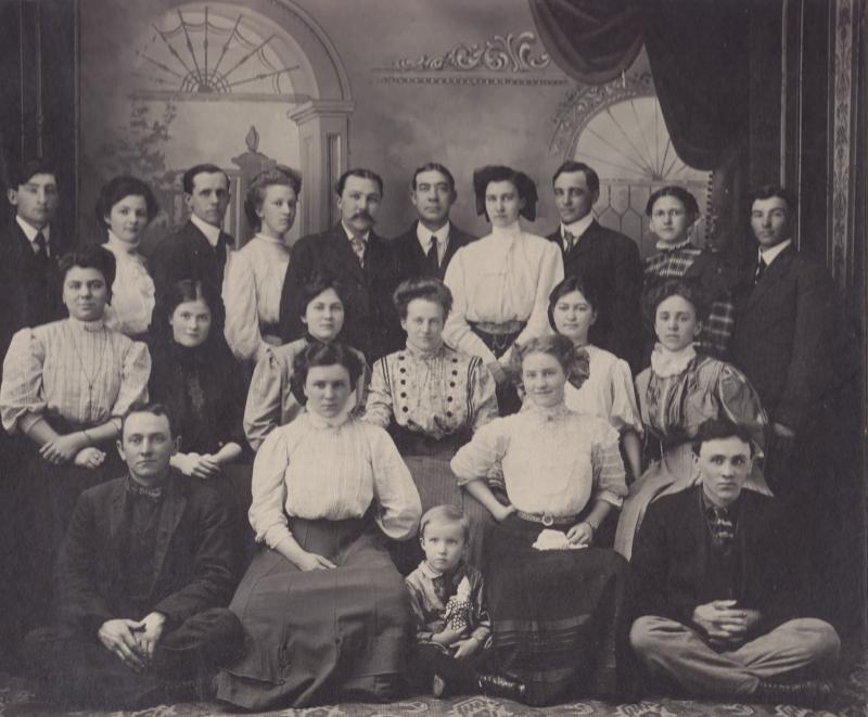 Angus Bowmer, age 4, center front. Charles Bowmer, his father last row, third from left. 1908 cast photo from Angus Bowmer's first production.