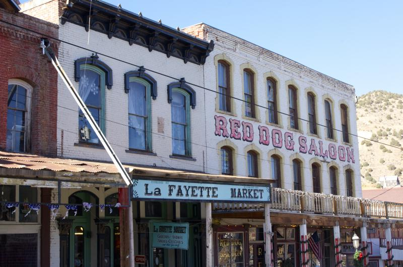 Gold mining in the 19th century turned Virginia City into a boom town that once boasted 25,000 inhabitants. Mark Twain is one its famous residents. Visitors flock to this historic town to enjoy old-fashioned shops, mine tours, trolley rides & gambling.