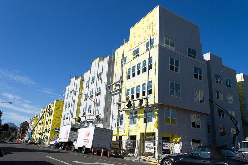 Capstone student housing under construction in Eugene, 2013.