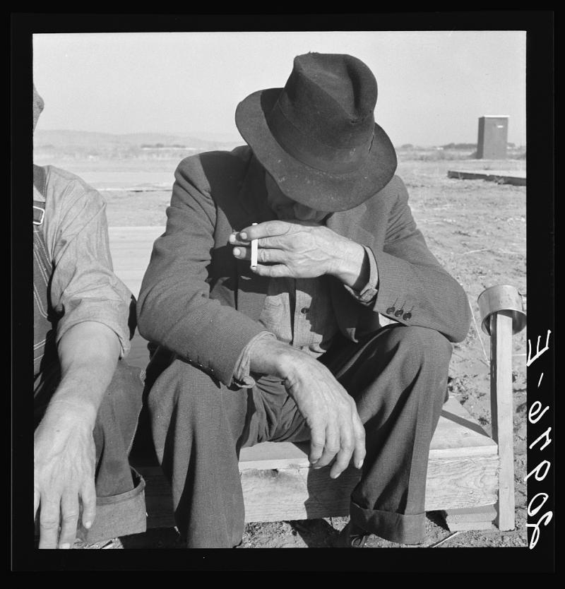 Was Nebraska farmer, now migrant farm worker in the West. September 1939  Merrill, Klamath, Oregon