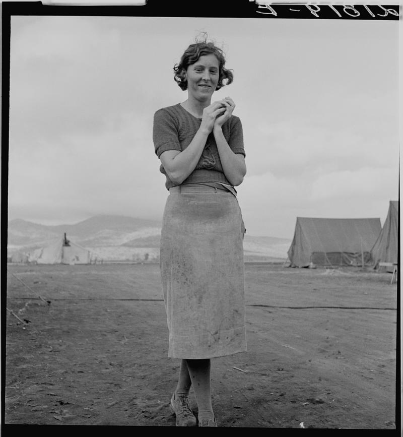 Young migrant mother has just finished washing.Merrill FSA (Farm Security Administration) camp, Klamath County, Oregon.