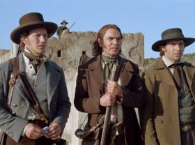 Lt. Col. William Travis (Patrick Wilson), David Crockett (Billy Bob Thornton) and James Bowie (Jason Patric) survey the approaching Mexican army.