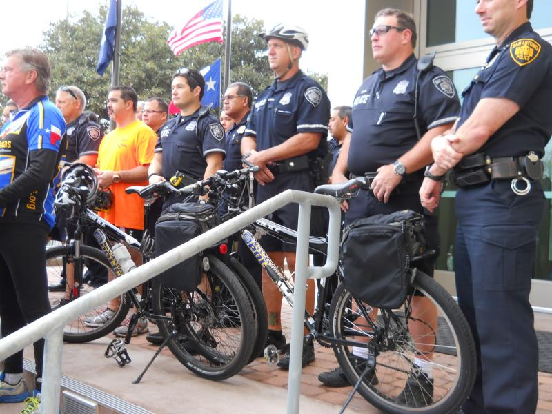 SAPD bike patrols will go undercover to catch drivers who violate bicycle safety laws
