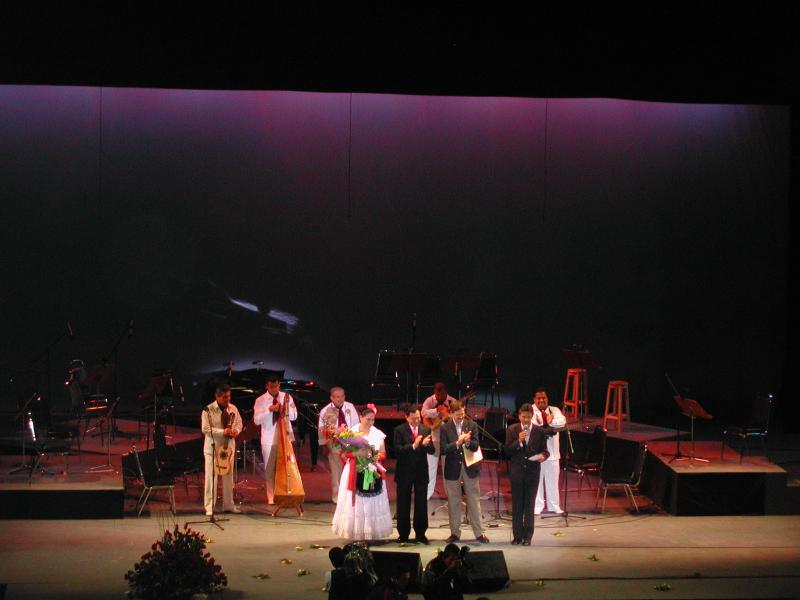 Olivia Gorra and Tlen Huicani in concert at the Cervantino Festival 2003