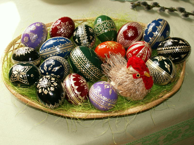 Hanácké kraslice, a traditional way of decorating Easter eggs with straw in the region of Haná, the Czech Republic.